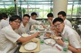 留学生助成基金協会昼食会が開かれました。